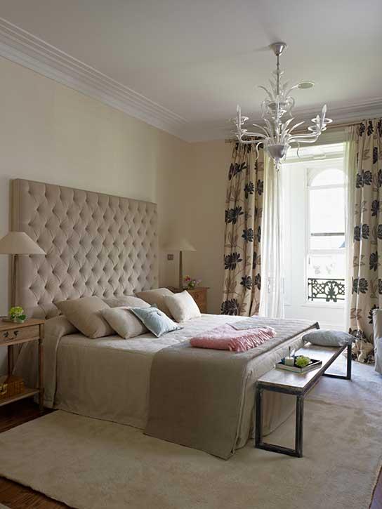 Dormitorio de la reforma completa de vivienda en la Gran Vía de Bilbao
