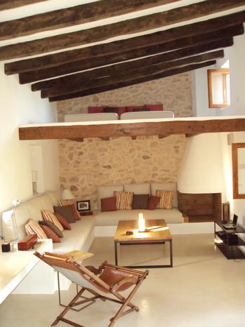 Salón de la reforma integral de casa en Formentera