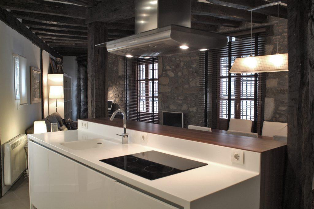 Reforma de una cocina de concepto abierto en bilbao
